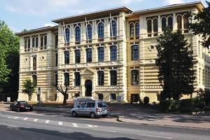 Die hochschule 21 ist eine gemeinnützige GmbH
