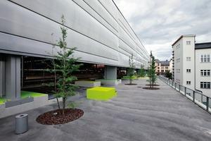 Der Rückbau der Hallenkonstruktion ermöglicht die Gestaltung eines Übergangsraums (Gestaltung Topotek 1)