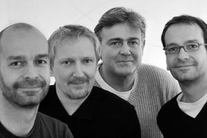 3deluxe v.l.n.r.:  Stephan Lauhoff (Geschäftsführer 3deluxe Grafik/Motion),  Dieter Brell (Geschäftsführer 3deluxe In/Exterior),  Peter Seipp (Kaufmännischer Leiter 3deluxe In/Exterior),  Andreas Lauhoff (Geschäftsführer 3deluxe Grafik/Motion)  Die interdisziplinäre Gestaltergruppe, geleitet von Andreas und  Stephan Lauhoff sowie Dieter Brell und Peter Seipp,  umfasst zurzeit rund 40 Personen aus Architektur, Innenarchitektur, Grafik-, Medien- und Produktdesign