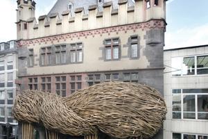 "Joko Avianto, ""Big Trees"", 2015. Ansicht Fassadeninstallation Frankfurter Kunstverein 2015"