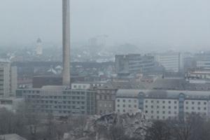 ist von dem AfE-Turm noch ein 20 m hoher Schuttberg übrig