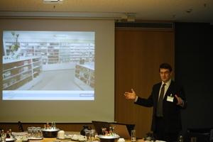 Fred Bass, Geschäftsführer von MEGAMAN, erläutert das Markenprofil des Unternehmens