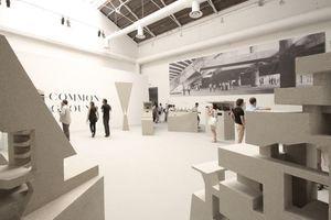 Der Silberne Löwe für den besten Nachwuchsbeitrag geht an Grafton Architects (Yvonne Farrell and Shelley McNamara)