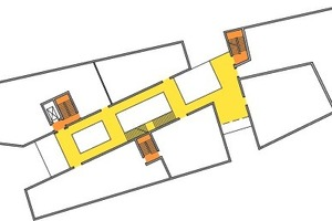 Ärztehaus Obergeschoss: Das Gebäude ist in Nutzungseinheiten gegliedert. Der 1. Rettungsweg führt über die notwendigen Treppenhäuser, die zentrale Eingangshalle übernimmt die Funktion des 2. Rettungsweges<br />