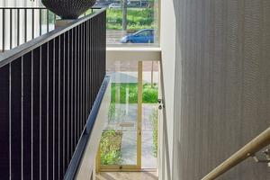 """<div class=""""10.6 Bildunterschrift"""">Die Wohn-und Esszimmer der Panoramawohnungen liegen auf der Erasmusweg-Seite. Die beiden Schlafzimmer sind zum Laubengang orientiert</div>"""