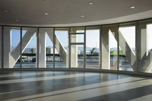 In den Innenräumen zeigt sich die verschattende Wirkung der Fassadenkonstruktion<br />