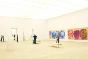 """Ursprünglich war dieser Saal im OG für Wechselausstellungen, doch Cy Twomblys Arbeiten (hier der """"Rosen""""-Zyklus) sind einfach zu schön!<br />"""