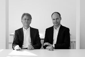 """<div class=""""fliesstext_vita""""><strong>Klaus Fäth, Harald Kloft, osd - office for structural design:</strong></div><div class=""""fliesstext_vita"""">""""Alleine das konsequente Zusammenspiel von Architekten und Ingenieuren kann die Erhaltung der Baukultur sichern. Nur im Team kann aus der bloßen Umsetzung von Bautechniken ein ästhetischer Mehrwert erwachsen und ein Bauwerk zu Baukunst werden. Damit setzt der Preis ein Zeichen der Anerkennung – gegen alle Widerstände, die in der Kritik um die Baukosten entstanden.""""</div>"""