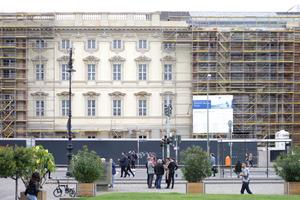 "Schlossattrappe (""Humboldt Forum im Berliner Schloss""), ..."