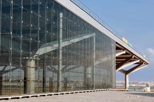 Abb. 5: Seilnetzfassade am Flughafen Málaga