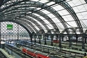 Dresdner Hauptbahnhof mit Dachkonstruktion aus transluzentem PTFE-beschichtete Glasfasergewebe