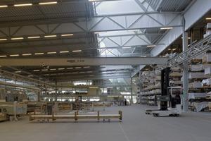Das Gebäude besteht aus einer fast 20.000 m² großen Halle<br />
