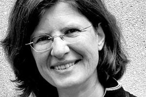 """<div class=""""autor_linie""""></div><div class=""""fliesstext_vita"""">Elisabeth Hierlein studierte Konstruktiven Ingenieurbau an der Universität Dortmund und ist diplomierte Wirtschaftsingenieurin. Nach 17-jähriger Tätigkeit als Tragwerksplanerin ist Hierlein seit 2006 für die Fachvereinigung Deutscher Betonfertigteilbau e.V. (FDB) tätig, seit 2007 als Geschäftsführerin. </div><div class=""""autor_linie""""></div><div class=""""6.6 Bildunterschrift / Herstellerangaben"""">Informationen: <a href=""""http://www.fdb-fertigteilbau.de"""" target=""""_blank"""">www.fdb-fertigteilbau.de</a></div>"""