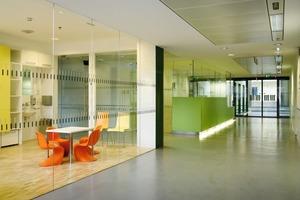 Orientierung bieten: Besondere Orte werden durch den Einsatz von Farbe markiert<br />