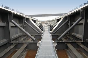Im Bereich der Voute besteht der Überbau aus einer 10m hohen Verbundkonstruktion, die in ihrem Inneren begehbar ist<br />