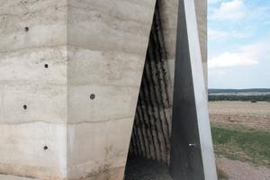 Bruder Klaus Kapelle, Wachendorf. Ein typisches Zumthor-Projekt, bei welchem Architekt und Bauherr auf Augenhöhe arbeiten