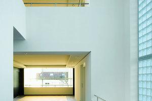 Aus einem ehemaligen Bürogebäude der Max-Planck-Gesellschaft schufen die  Architekten 28 hochwertige Wohnungen ...