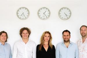 <p>von links nach rechts<br /><br />-Lars Krückeberg<br />-Gregor Hoheisel<br />-Alejandra Lillo<br />-Thomas Willemeit<br />-Wolfram Putz</p><p></p><p>Lars Krückeberg<br />1967 geboren<br />1989-1998 Studium der Architektur,<br />Braunschweig, Florenz, Los Angeles<br /><br />Thomas Willemeit<br />1968 geboren<br />1988-1997 Studium der Architektur,<br /> Braunschweig, Dessau<br />1998-2000 Mitarbeit im Büro Daniel Liebeskind, Berlin<br /><br />Wolfram Putz<br />1968geboren<br />1988-1998 Studium der Architektur,<br /> Braunschweig, Salt Lake City, Los Angeles<br /><br />Gregor Hoheisel<br />1967 geboren<br />1986-1996 Studium der Architektur,<br />Hamburg, Braunschweig<br />1999-2004 Mitarbeit im Büro Gerkan Marg+Partner, Berlin, Peking<br /><br />Alejandra Lillo<br />1972 geboren<br />1999-2005 Studium der Architektur,<br />Mendoza, Los Angeles<br />2001-2007 Mitarbeit im Büro Corbett Cibinel, Kanada, Mitarbeit bei Mattel und im Büro GRAFT<br /></p>
