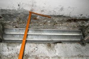 Bild 3: Schadensbild bei einer Fensteröffnung im Überblick<br />