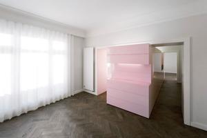 """Farbe ist integrativer Bestandteil der Arbeiten von Armin Behles und Jasper Jochimsen z. B. in der """"Zweiraumwohnung"""", einer Kindertagesstätte mit konsequenter Anwendung von Farbe<br />"""