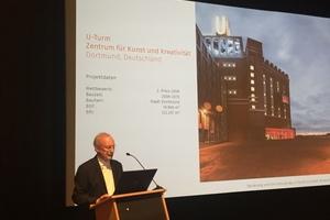 Prof. Eckhard Gerber erklärt das Sanierungskonzept des Dortmunder U im abschließenden Vortrag