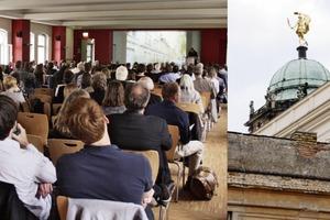 Nachdenkliches Zuhören im Schatten von Glanz und Putzbröckeln der Communs am Neuen Palais<br />