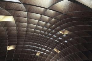 Gewölbedecke (Ausschnitt) mit künstlicher Spot-Beleuchtung
