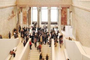 """Auszeichung """"Bestes Sanierungsprojekt""""<br /><br />Projekt: Wiederaufbau Neues Museum, Berlin<br />Baujahr: 2009<br />Architekt: David Chipperfield Architects, Berlin in Zusammenarbeit mit Julian Harrap"""