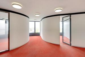 Die organische Gebäudeform zeigt sich auch im inneren der 13 Büroetagen<br />