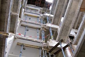 """Baustelle: Bei der kompletten Entkernung wurden die """"Zech-Decken"""" weitestgehend erhalten"""
